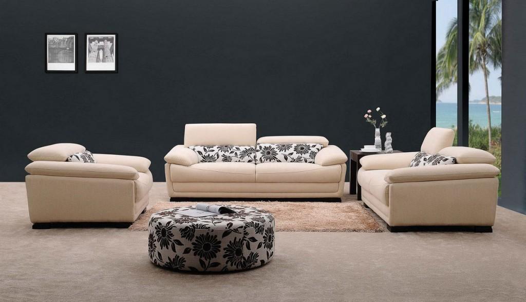 black-wallpaper-as-living-room-furniture