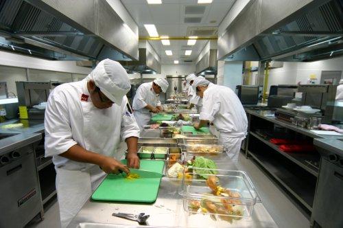 1353953003_kitchen2_small