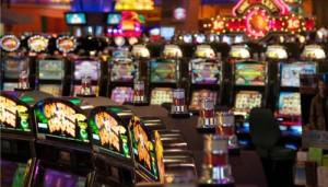 Рисковать на деньги в  Вулкан Старс или играть без вложений?